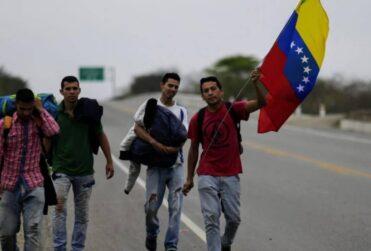Desconfinamiento en Chile y Colombia incrementa retorno de venezolanos
