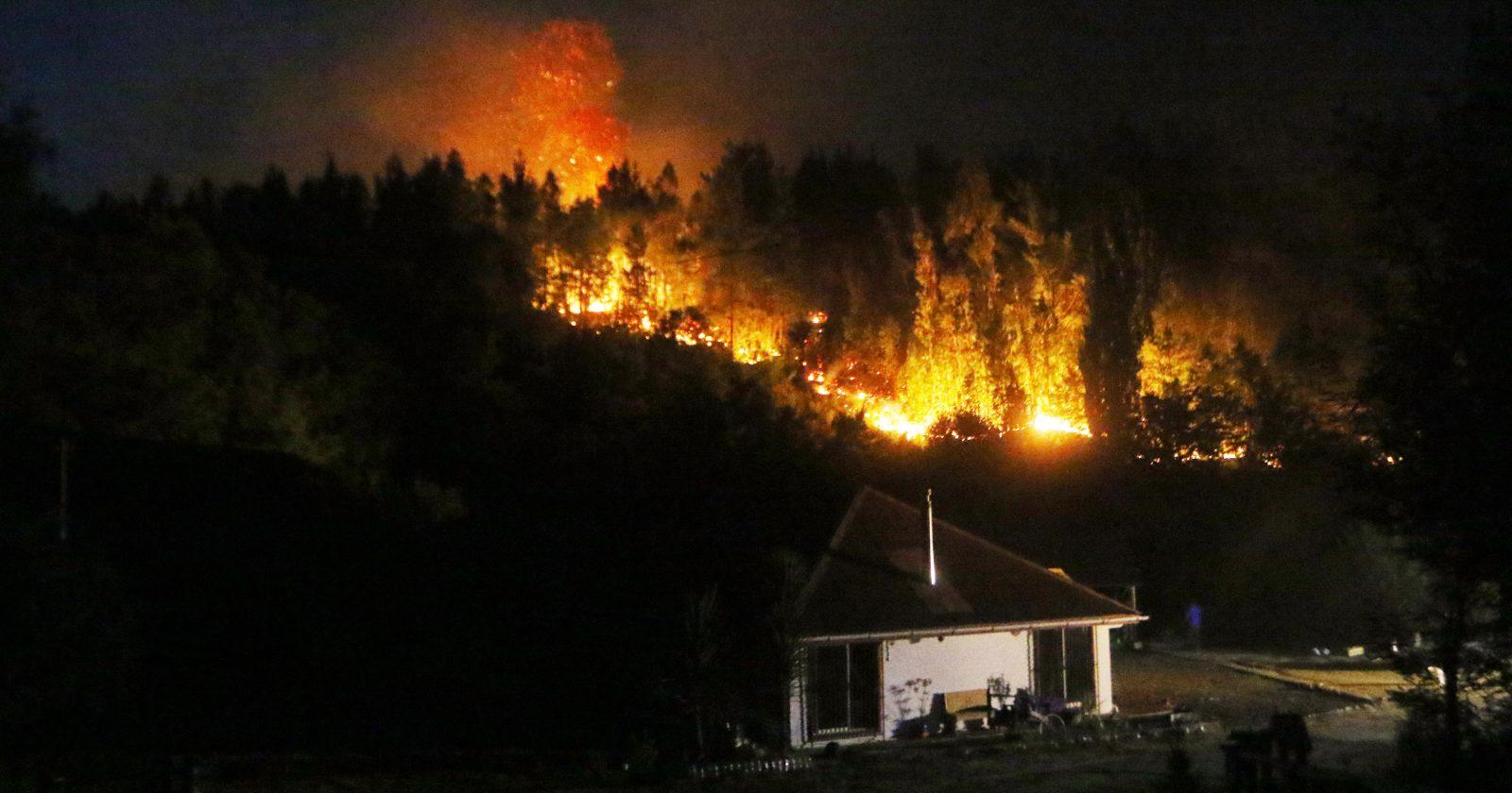 """Ministro Walker alerta sobre fatídica temporada de incendios: """"El pronóstico es muy malo"""""""