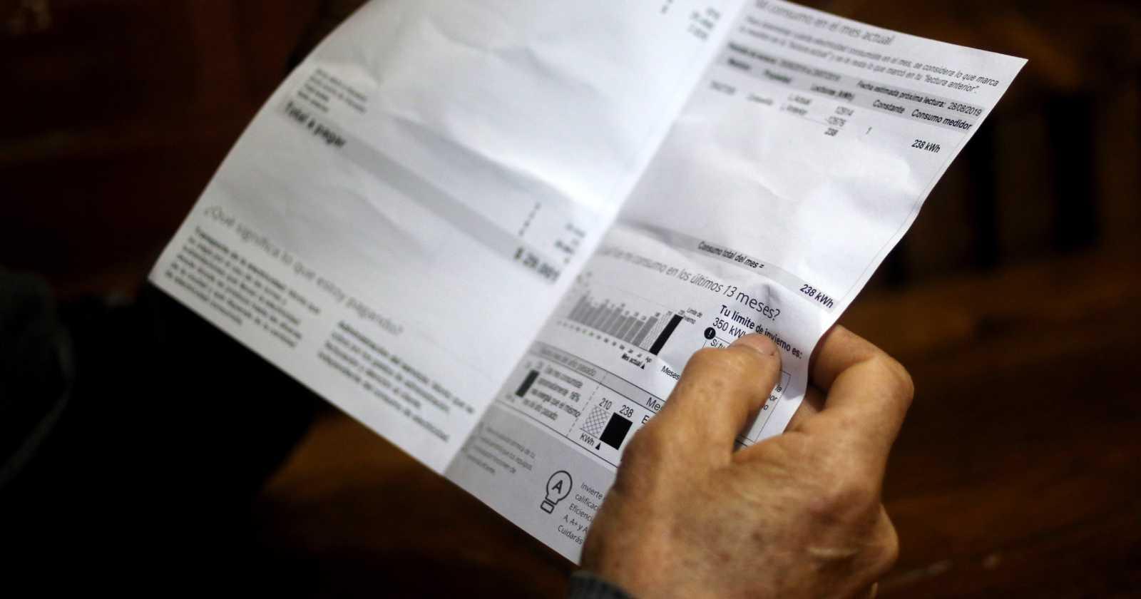 """""""Baja la morosidad en créditos y sube en cuentas de servicios básicos"""""""