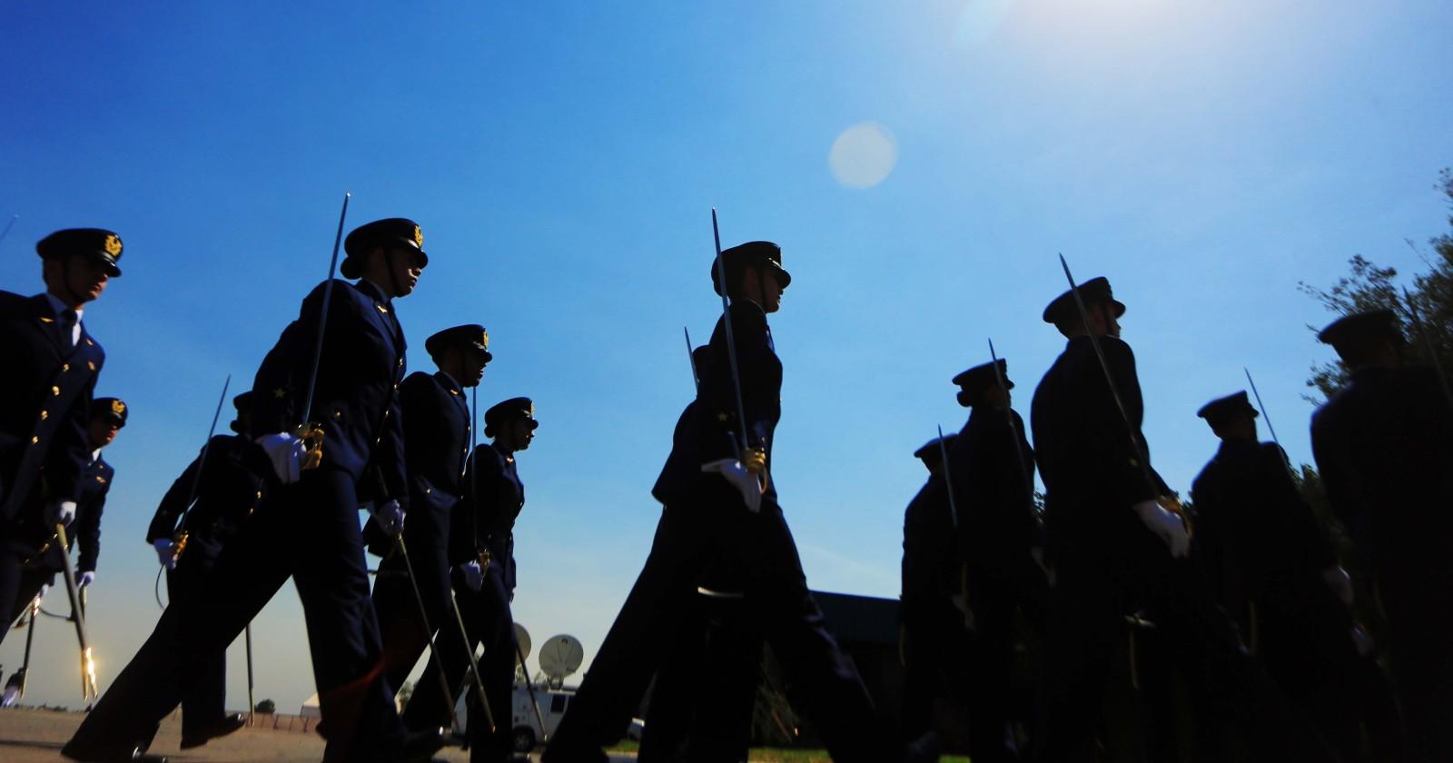 Funcionarios de la FACh fueron detenidos por lanzar piedras a Carabineros en Temuco