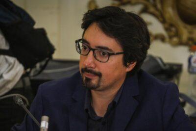 """Senador Latorre propone """"primarias ciudadanas"""" en Valparaíso con Sharp como candidato"""