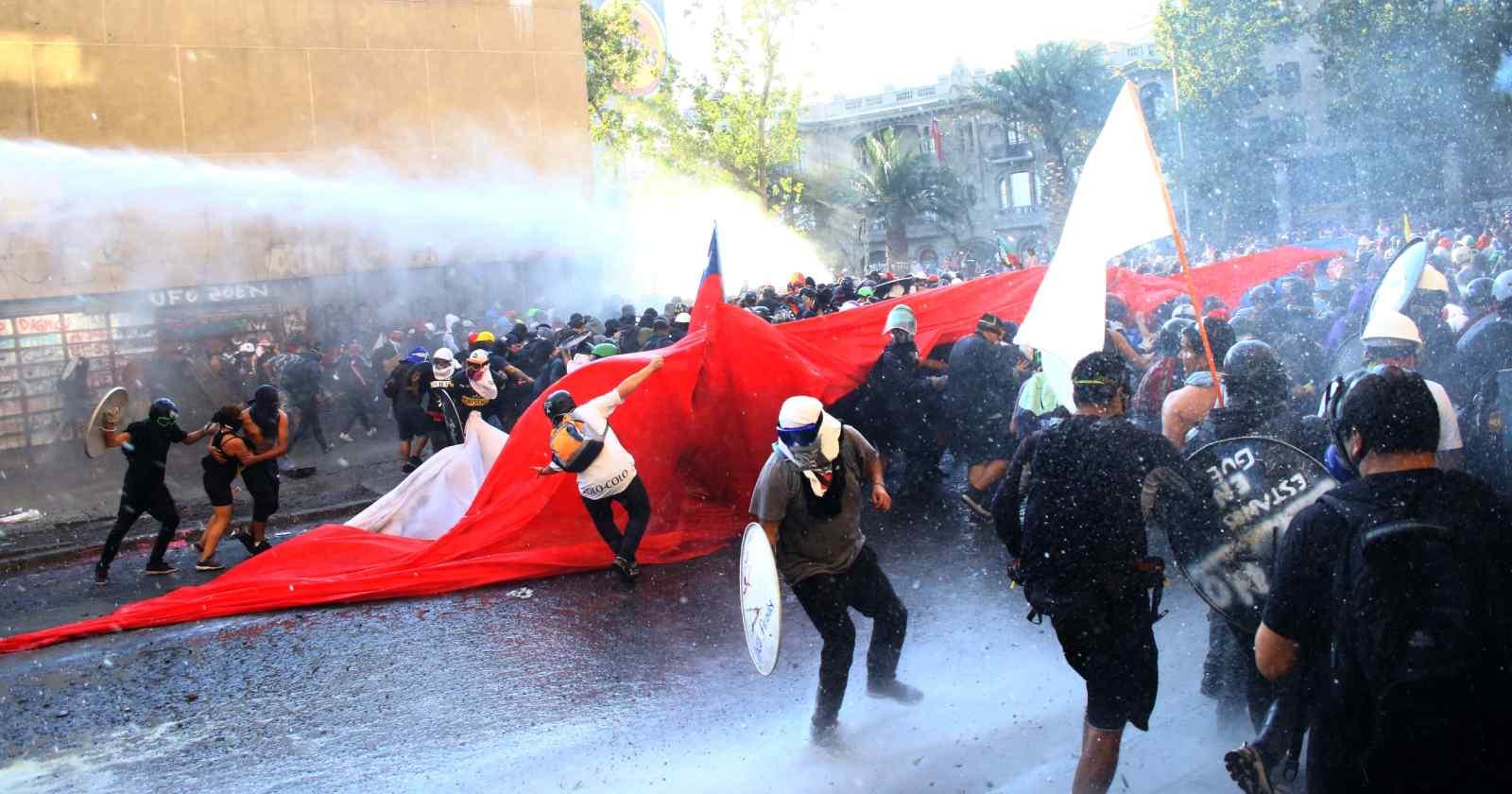 """Benito Baranda pide libertad para la """"primera línea"""": """"Hay luchas políticas y hay bandas delictuales"""""""