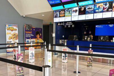 Con prohibición de consumir alimentos: el protocolo del Minsal para reabrir cines