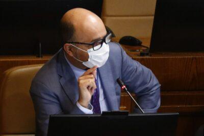 """VIDEO – Diputado Ilabaca reclama por impuntualidad de parlamentarios: """"Ingresar a las 10:00 es un horario de privilegio"""""""