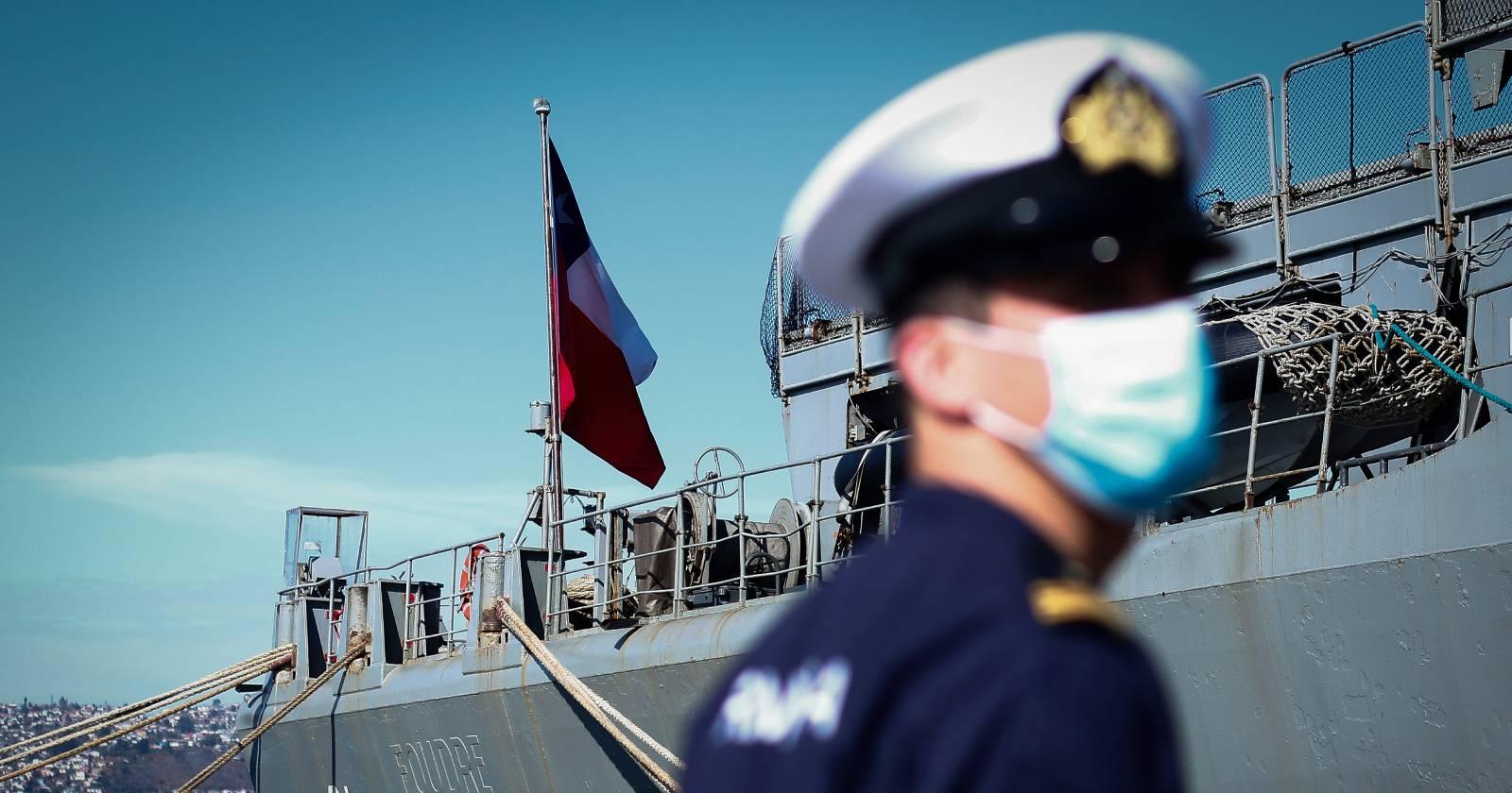 Dan de baja a marino detenido en manifestaciones