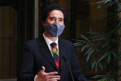 """Ministro Briones: """"No se podría concebir que Carabineros se quede sin presupuesto"""""""