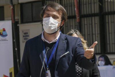 Alcalde Sharp llama a grandes empresarios a salvar el comercio de Valparaíso