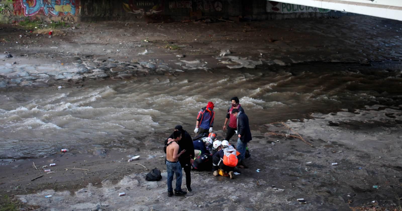 """""""Fue un accidente"""": la defensa del carabinero imputado por arrojar al Mapocho a menor de edad"""