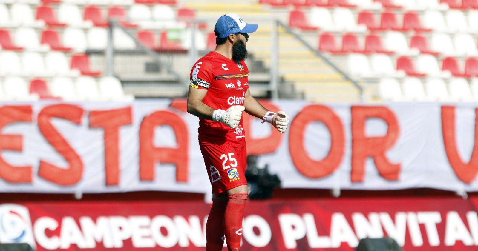 """Johnny Herrera: """"Si no es por De Paul y los palos, la U pudo haber recibido siete goles"""""""