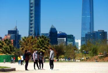 Cinco nuevas comunas de la Región Metropolitana entrarán a la fase de apertura inicial