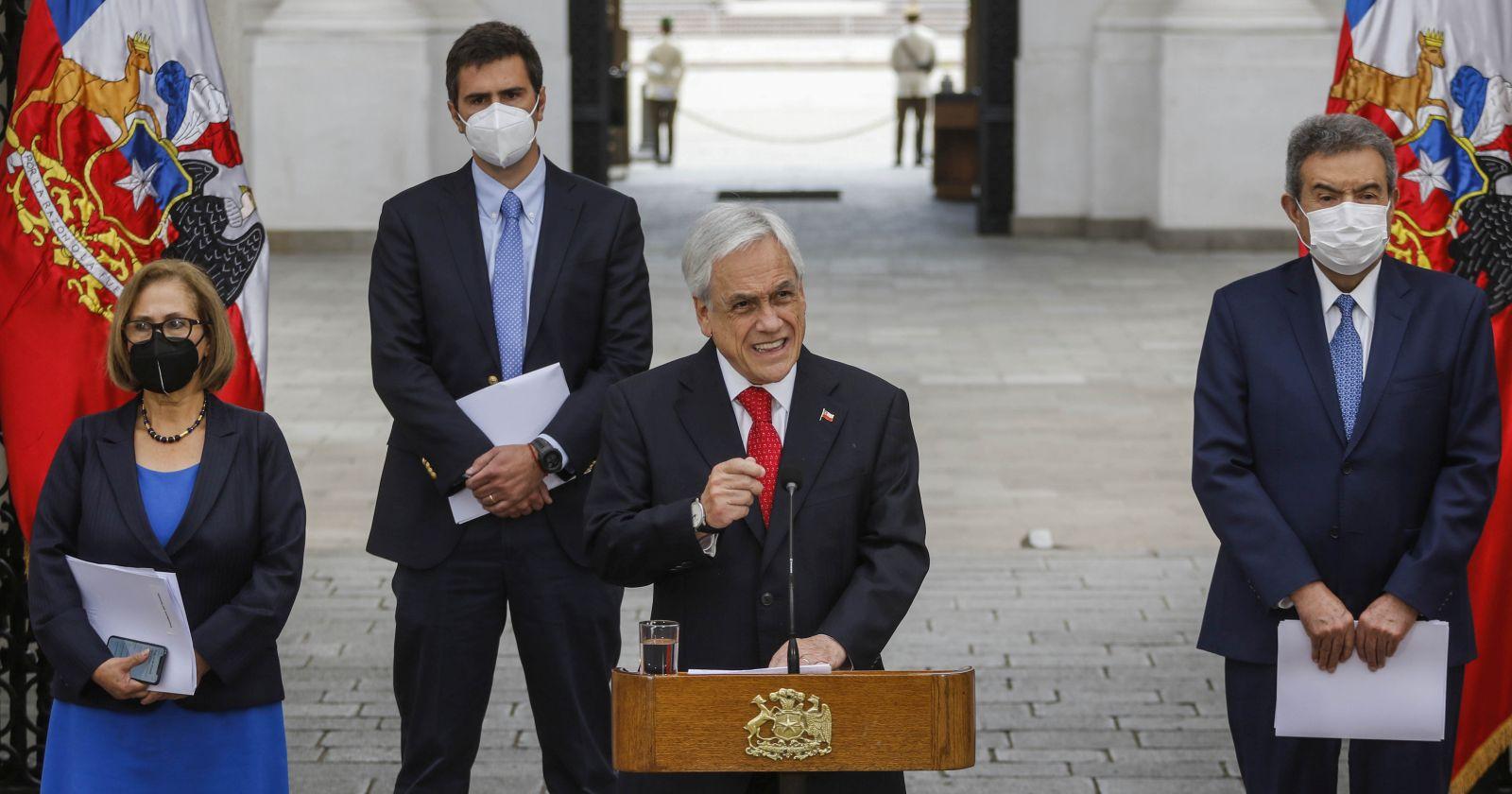 """Piñera lamentó los """"eventos del Puente Pío Nono"""" y reafirmó su respaldo a Carabineros"""