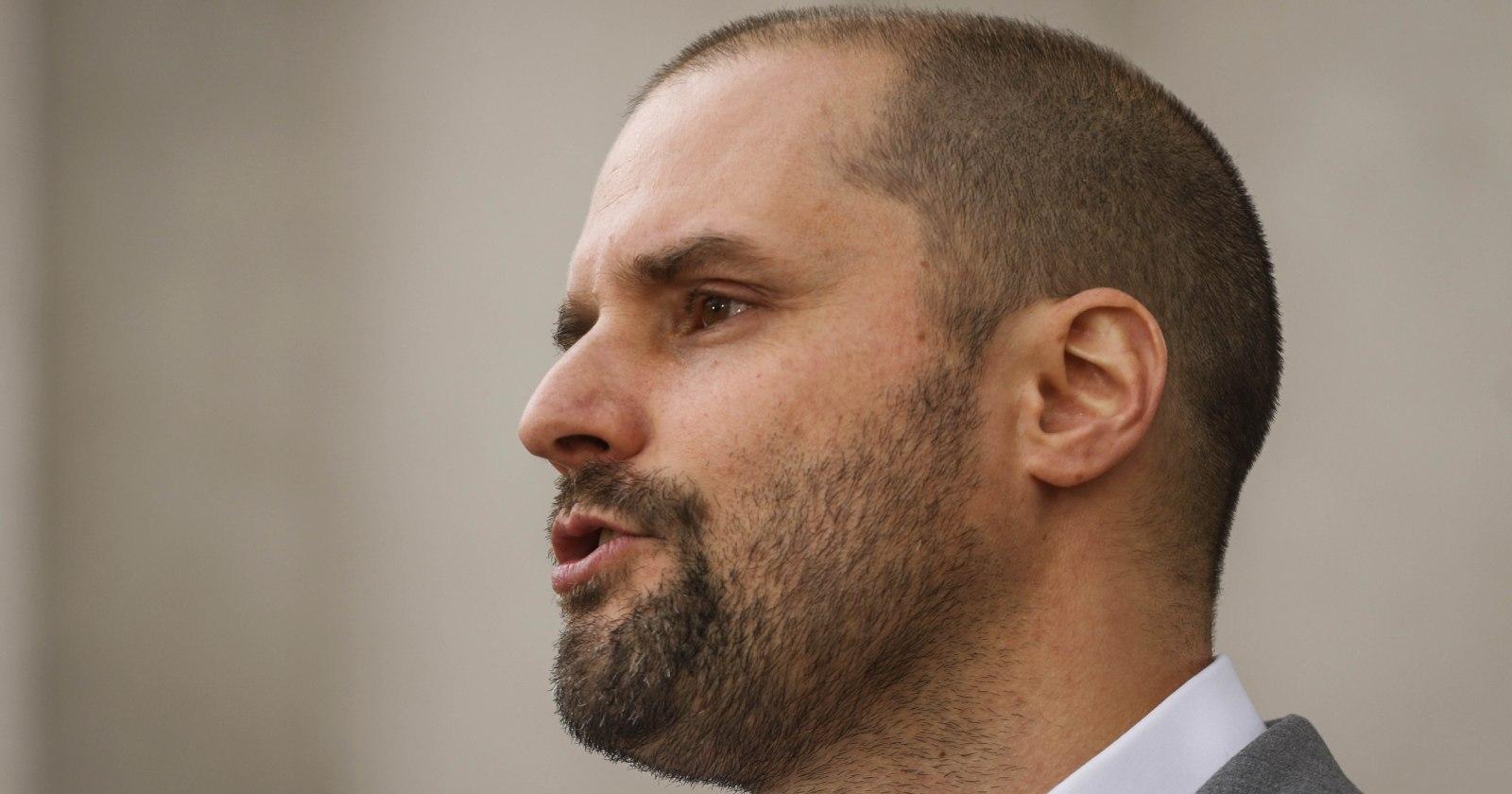Identifican sujeto que habría amenazado de muerte a ministro Bellolio