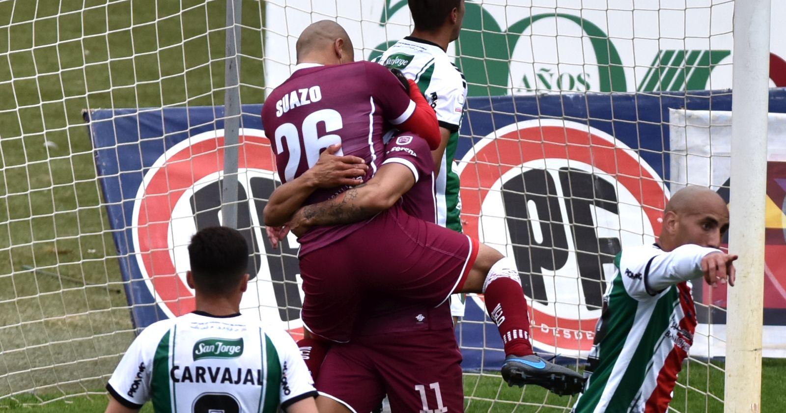 """""""Chupete Suazo vuelve a marcar en victoria de Deportes La Serena sobre Palestino"""""""