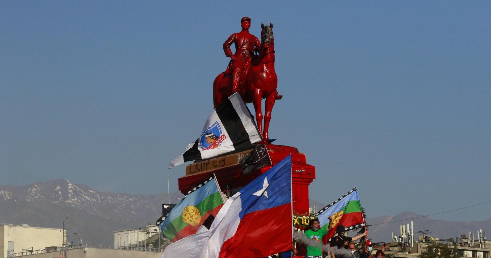 UDI respalda tesis de Bellolio y pide mantener monumento a Baquedano
