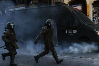 Saqueos, desórdenes y ataque a comisaría terminó con ocho personas detenidas en Puente Alto