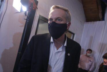 """""""Vamos a sufrir una nueva paliza electoral en abril"""": la advertencia de Kast a Chile Vamos para ir juntos en elecciones de constituyentes"""