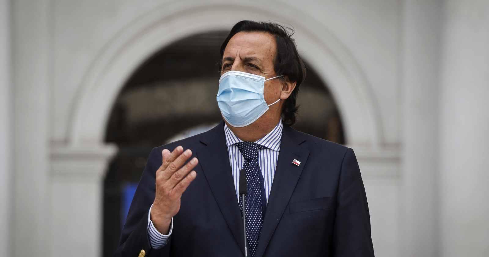 Ministro Pérez confirma viaje a La Araucanía tras asesinato de carabinero