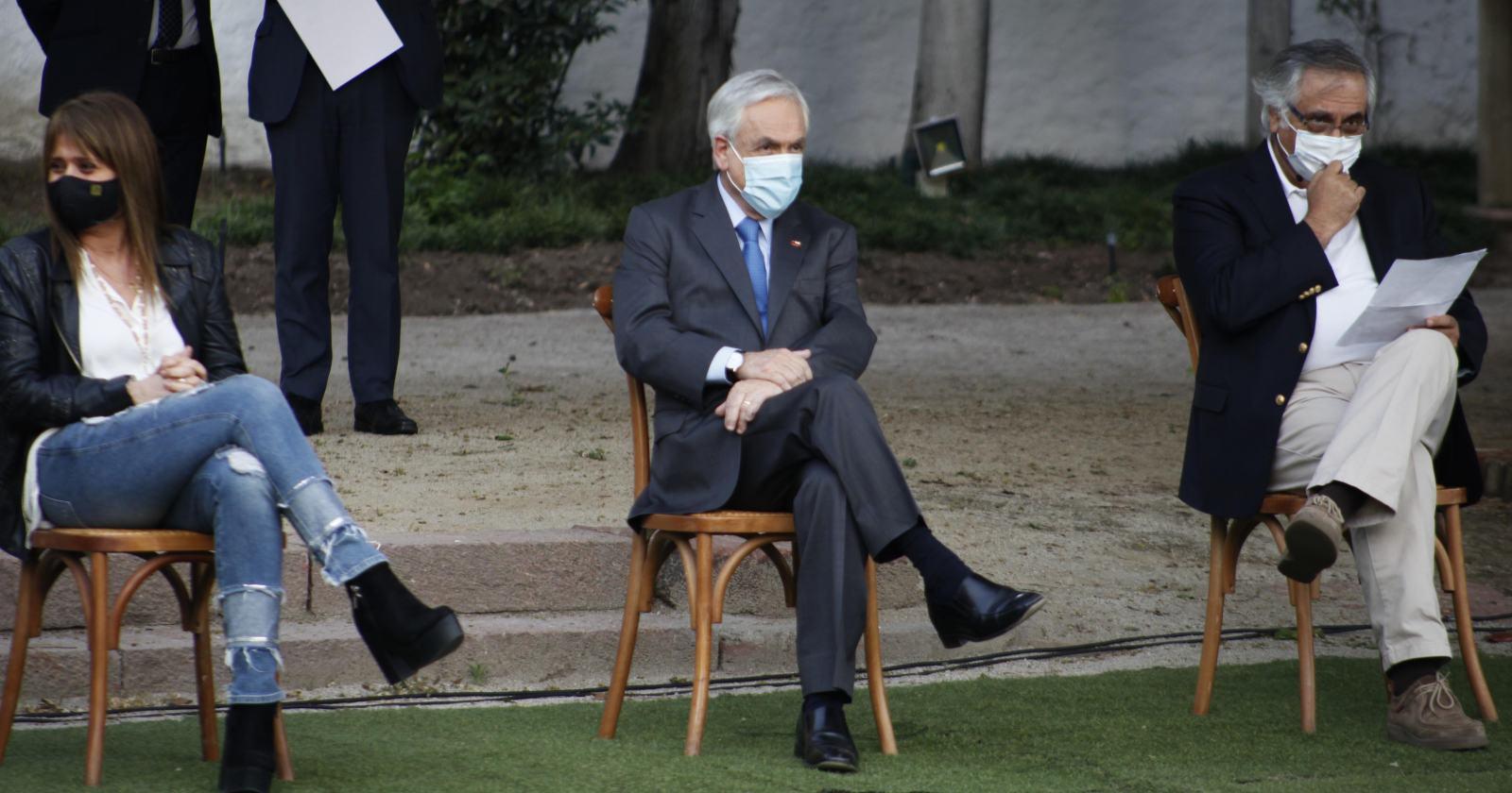 Piñera apunta a unidad de Chile Vamos y división en la oposición tras plebiscito