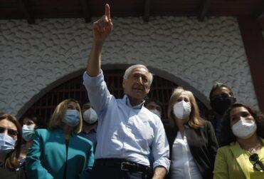 """""""No soy un político tradicional"""": Heraldo Muñoz lanza su candidatura a La Moneda en El Hoyo"""