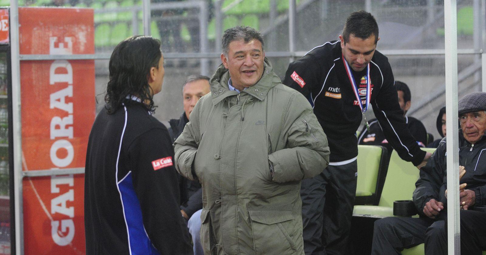 """Claudio Borghi descarta llegar a Colo Colo: """"Mi nombre no lo manejen para nada"""""""