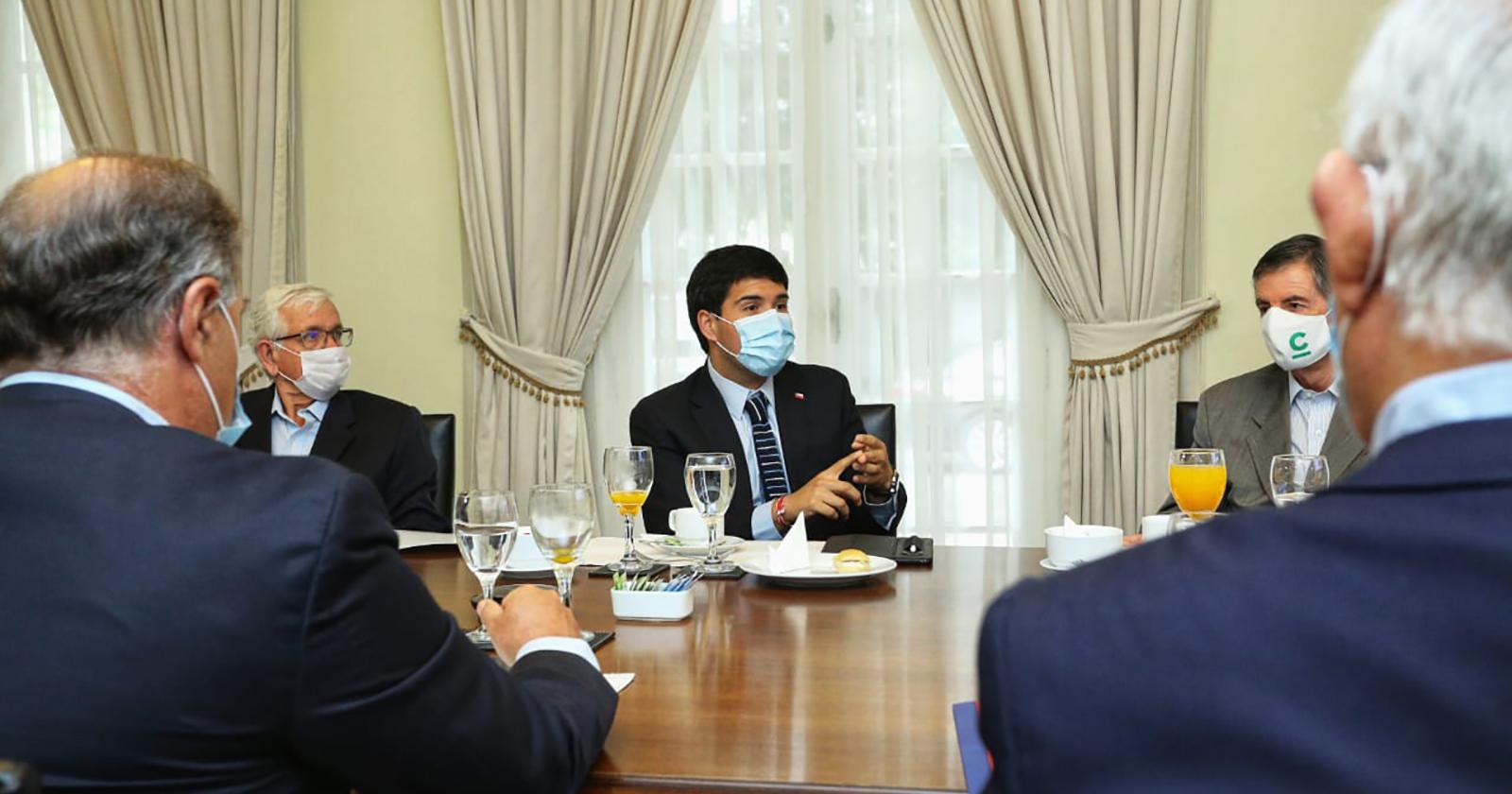 Reactivación económica: Ministro Julio Isamit presenta a la CPC Plan de Licitaciones
