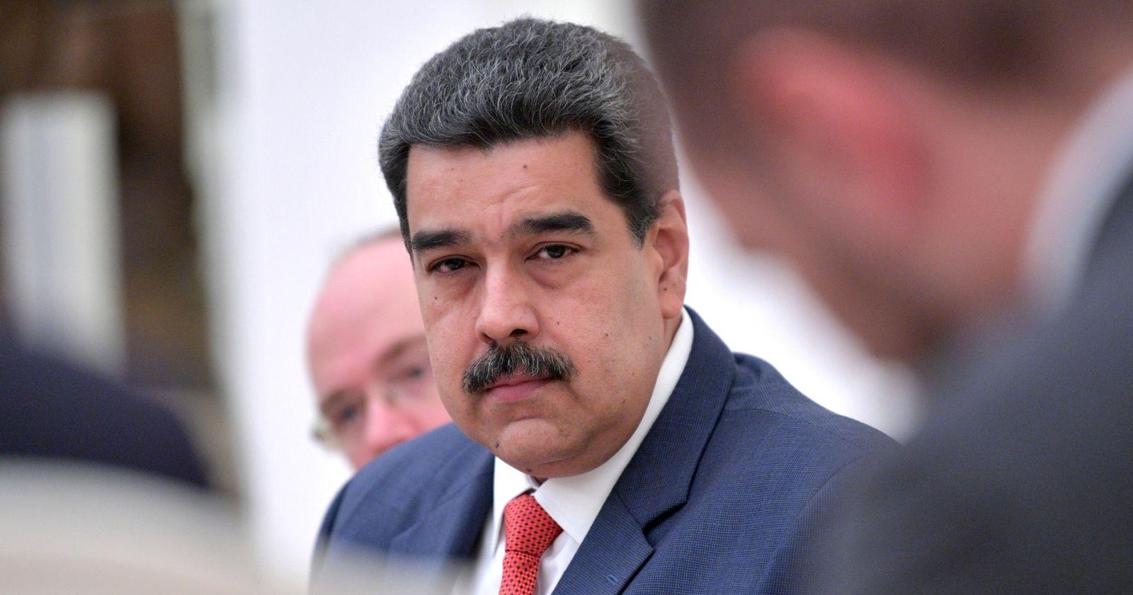 Maduro anuncia que su hijo y hermana participarán de las pruebas de la vacuna rusa