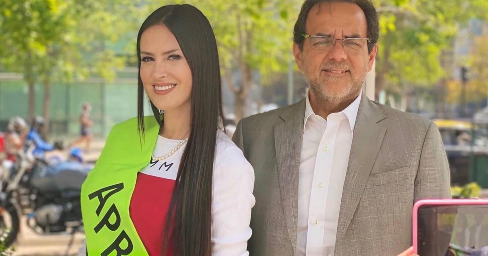 """""""Adriana Barrientos oficializó su candidatura a la Convención Constituyente y firmó por el FRVS"""""""