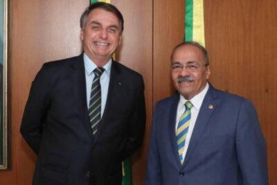 Renunció senador de Brasil que escondió más de $4 millones en su ropa interior durante allanamiento