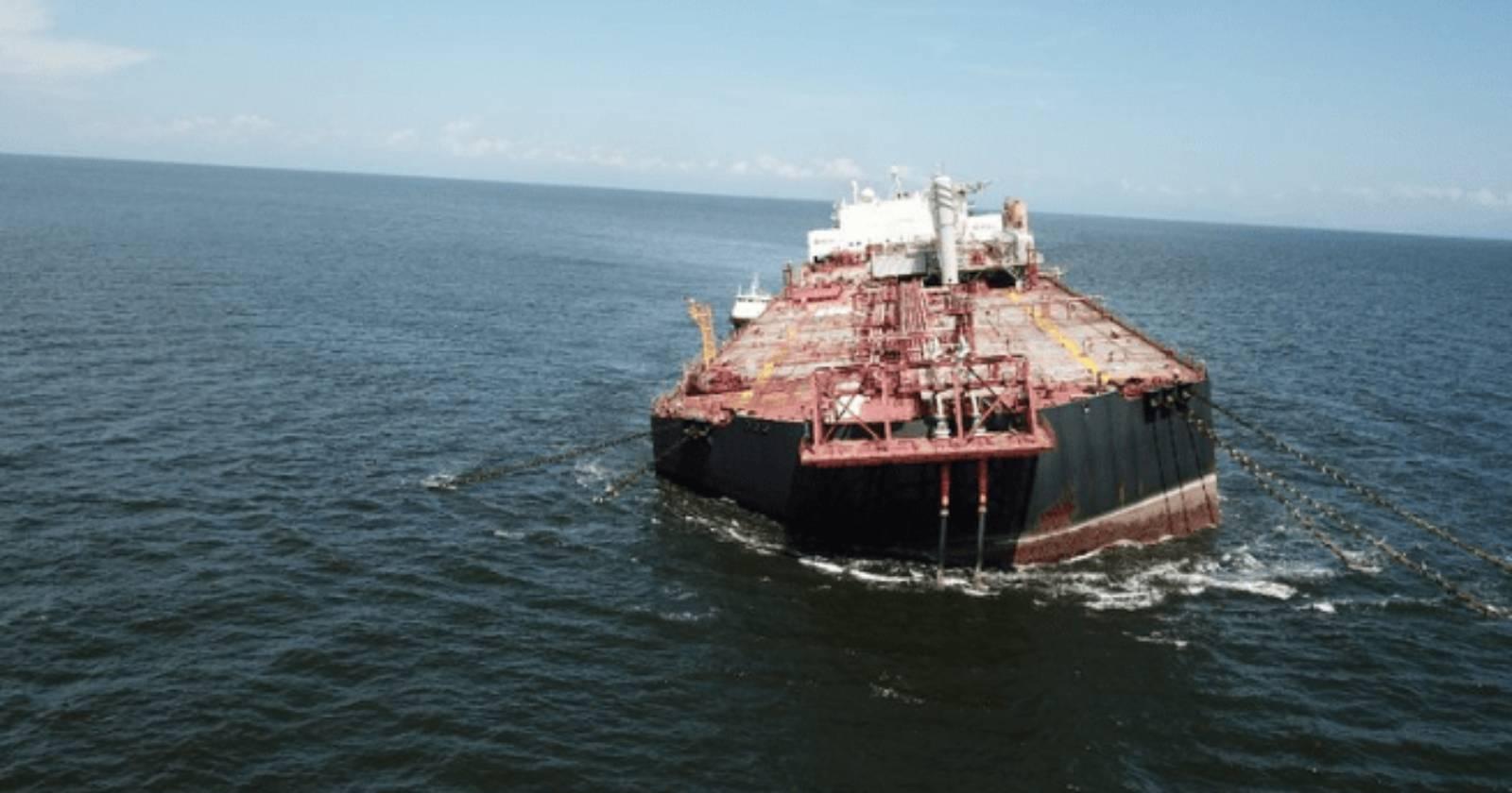 """""""Buque venezolano se hunde en el Caribe con más de un millón de barriles de petróleo"""""""