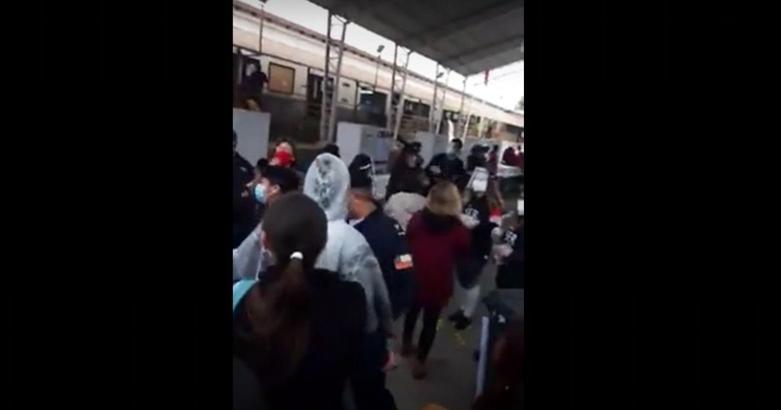 Masiva llegada de votantes generó aglomeración en Concón