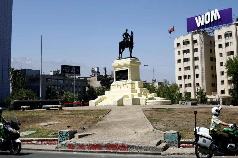 Consejo de Monumentos se abrió a la posibilidad de trasladar la estatua del general Baquedano