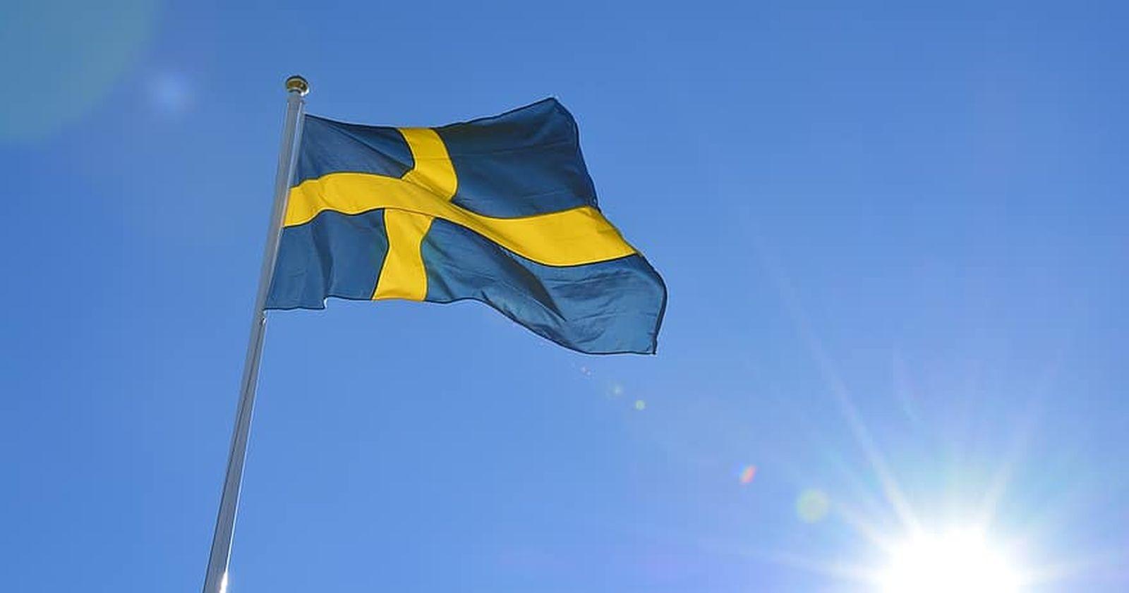 """""""Suecia evalúa cambiar de estrategia contra el COVID-19 y aplicar más restricciones"""""""