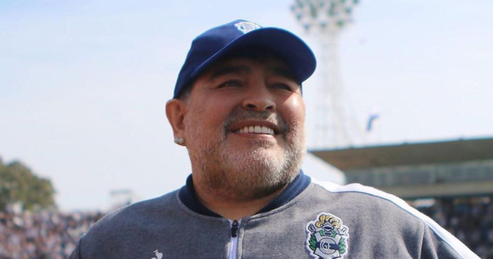 Diego Armando Maradona celebra sus 60 años en medio de su aislamiento preventivo