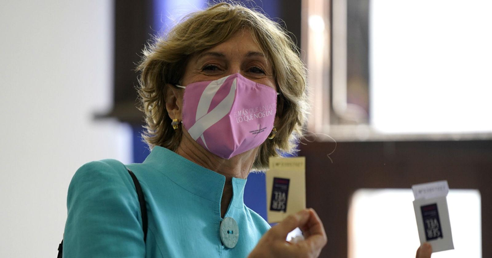 Evelyn Matthei tras votar en el plebiscito: