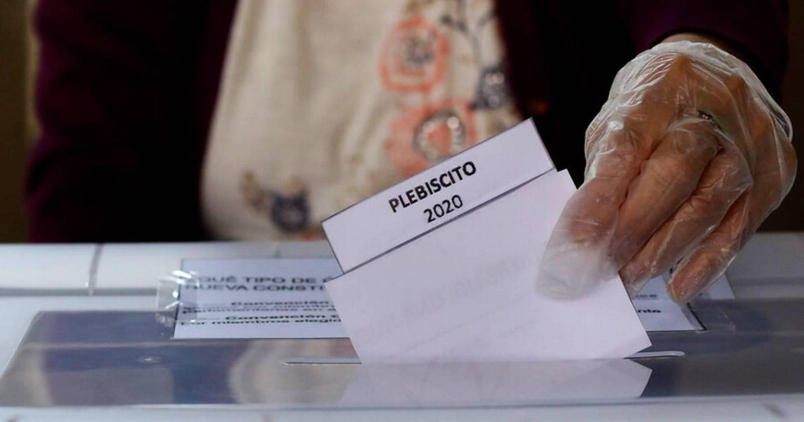 """ONU destaca """"alta participación y espíritu cívico"""" de los chilenos en el plebiscito"""
