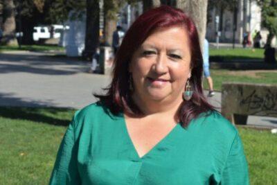 """Directora de Educación se niega a renunciar y acusa que Sharp: """"Me utiliza como chivo expiatorio"""""""