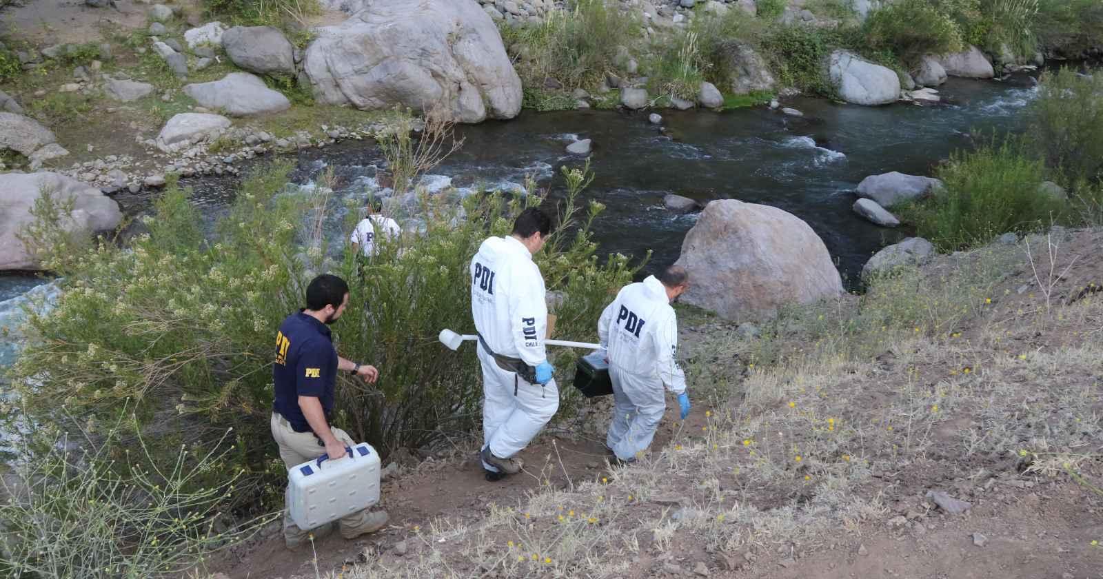 Investigan hallazgo de cuerpo calcinado en río de Arica