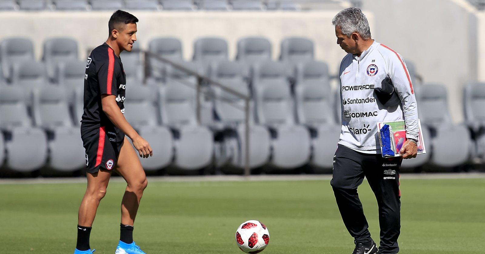 """""""Inaceptables y ofensivas"""": Inter responde a críticas de Rueda por estado físico de Alexis"""