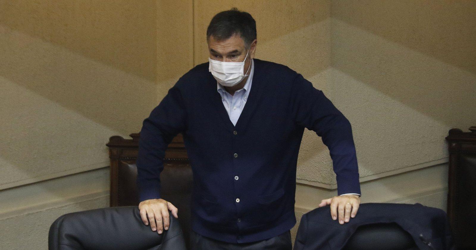 """Senador Ossandón pronostica que """"va a haber retiro del 10% antes de Navidad"""" a pesar del TC"""