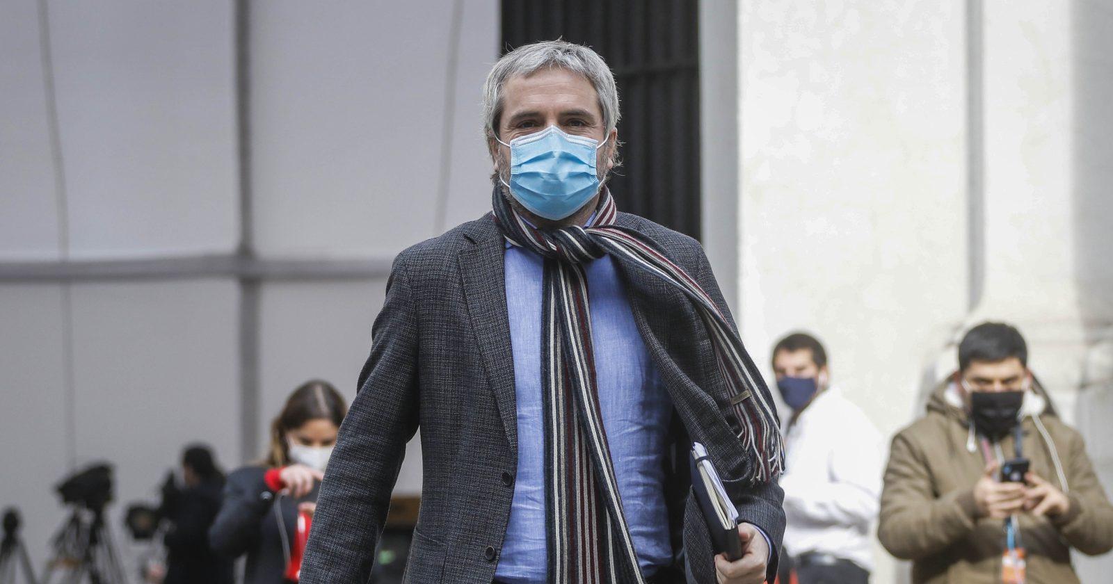 """""""¿Blumel candidato a la Convención Constitucional?: ex ministro no se cierra a la posibilidad"""""""