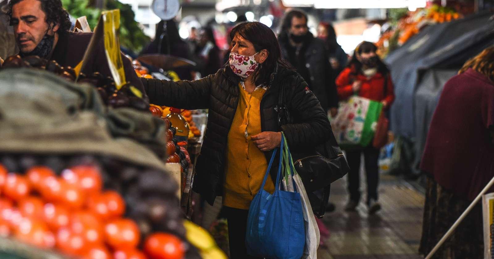"""Gobierno llama a la calma por alto IPC: """"Inflación está dentro de los rangos"""""""