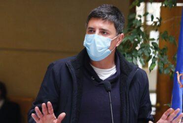Marcelo Díaz confirma candidatura presidencial y mete presión a Beatriz Sánchez