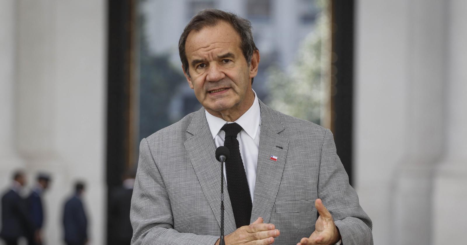 Allamand afirma que cambio de quórum propuesto por Vallejo perjudicaría la imagen de Chile