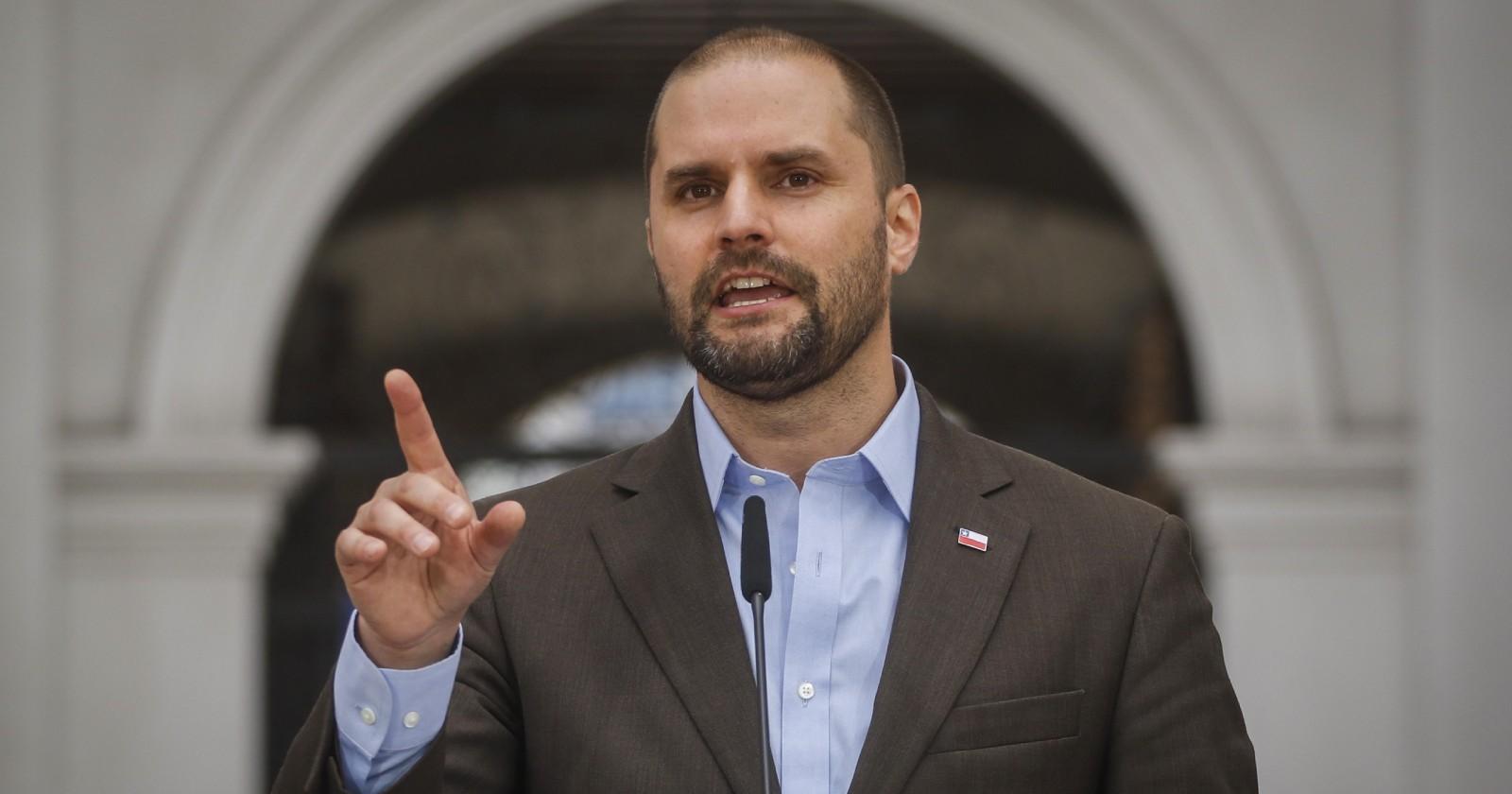 """Gobierno responde a críticas por designación de Delgado en Interior: """"Están picados"""""""