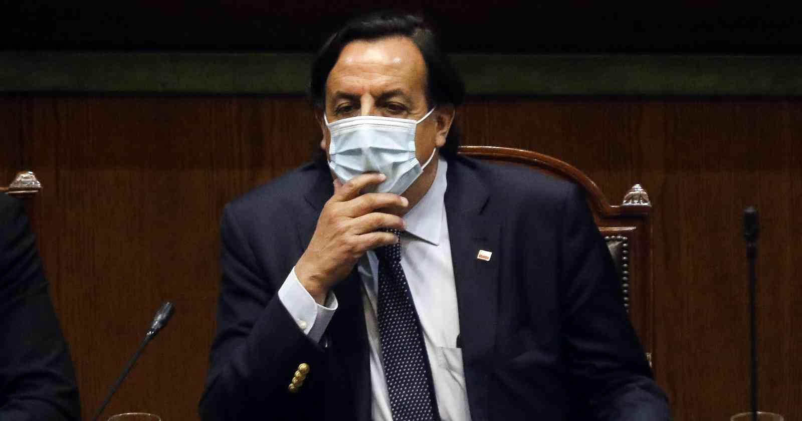 Diputados declaran admisible acusación contra Víctor Pérez y queda suspendido de Interior