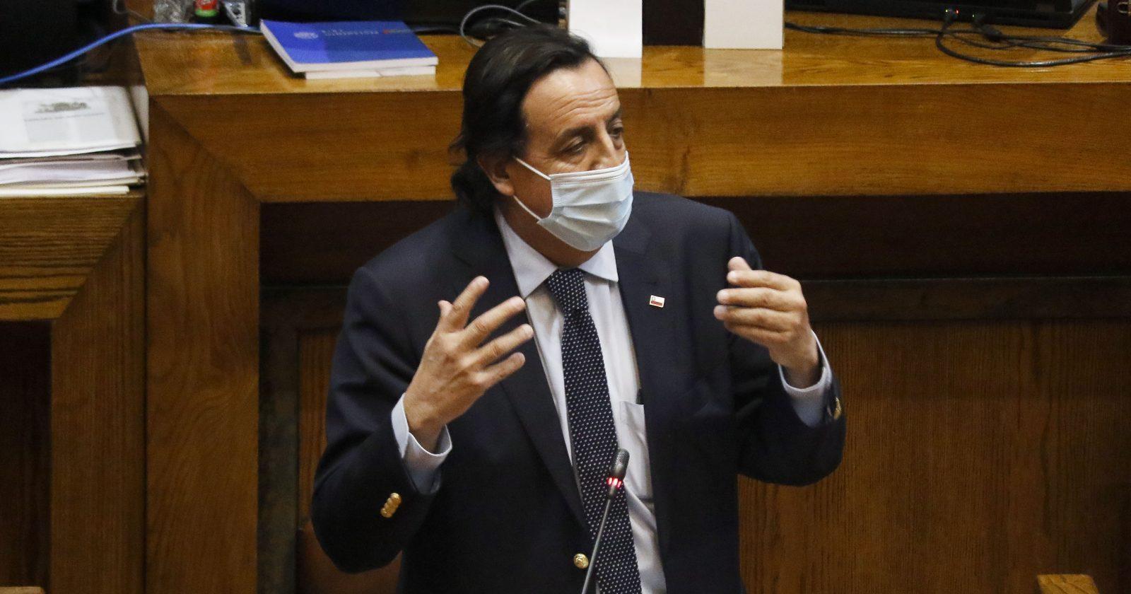 ¿Víctor Pérez a la Convención? Oposición buscará inhabilitarlo en el Senado