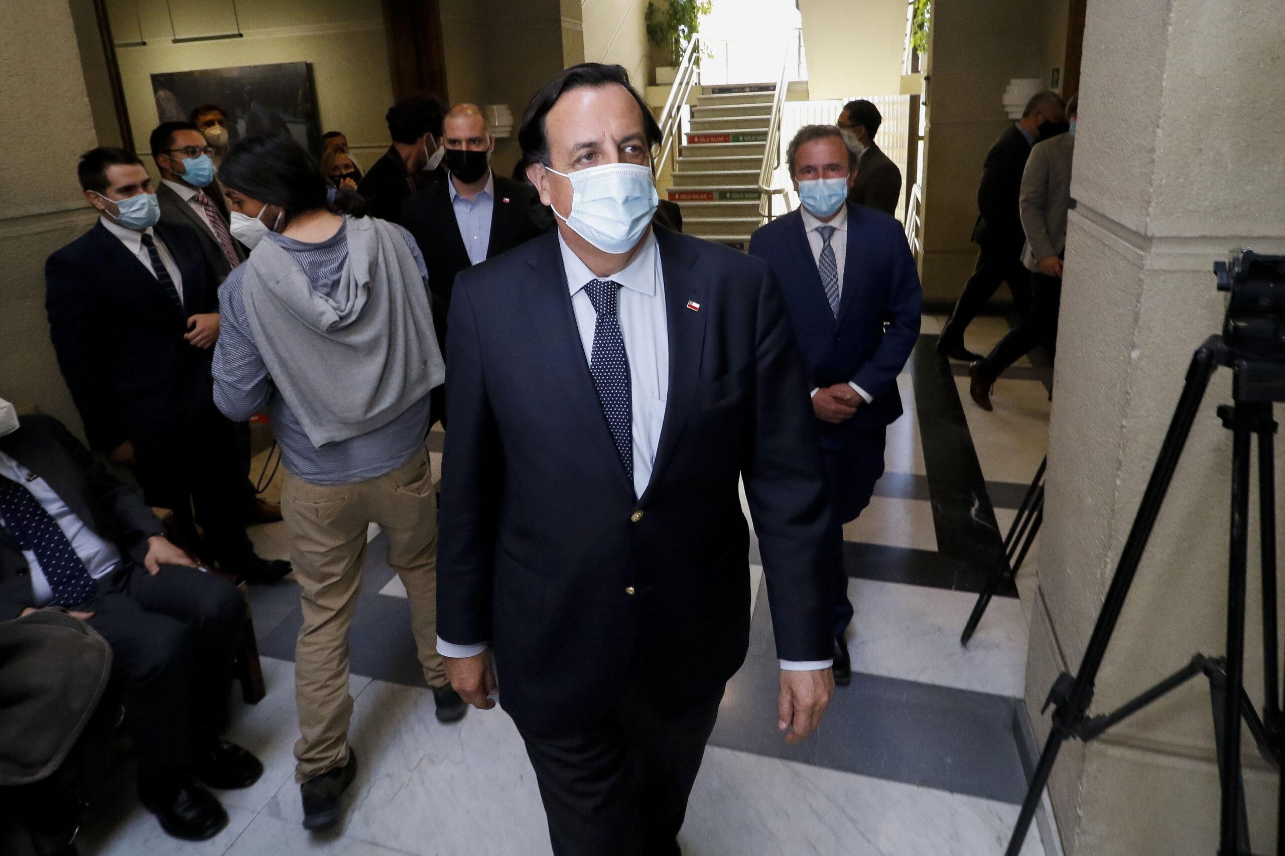 El día negro de Víctor Pérez que lo llevó a renunciar tras sólo tres meses en el cargo