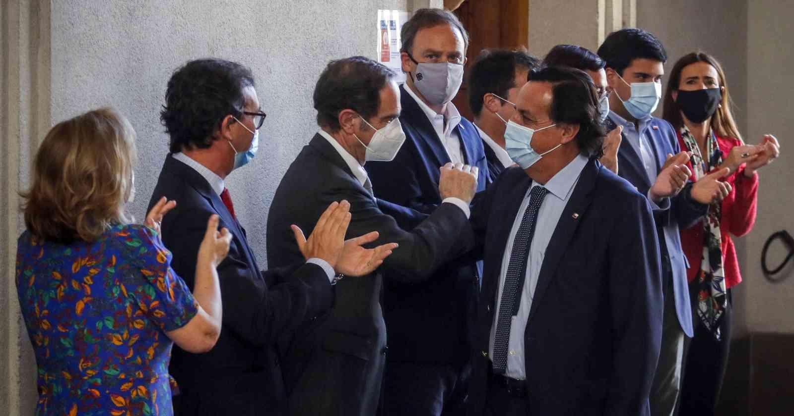 """PS reconoce sorpresa por renuncia de Pérez: """"El ministro del Interior se mantiene hasta el final"""""""
