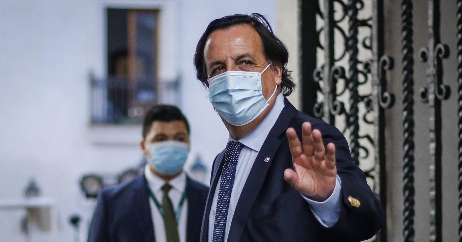 """""""Muchas gracias Víctor"""": Piñera despide a ex ministro Pérez en La Moneda"""