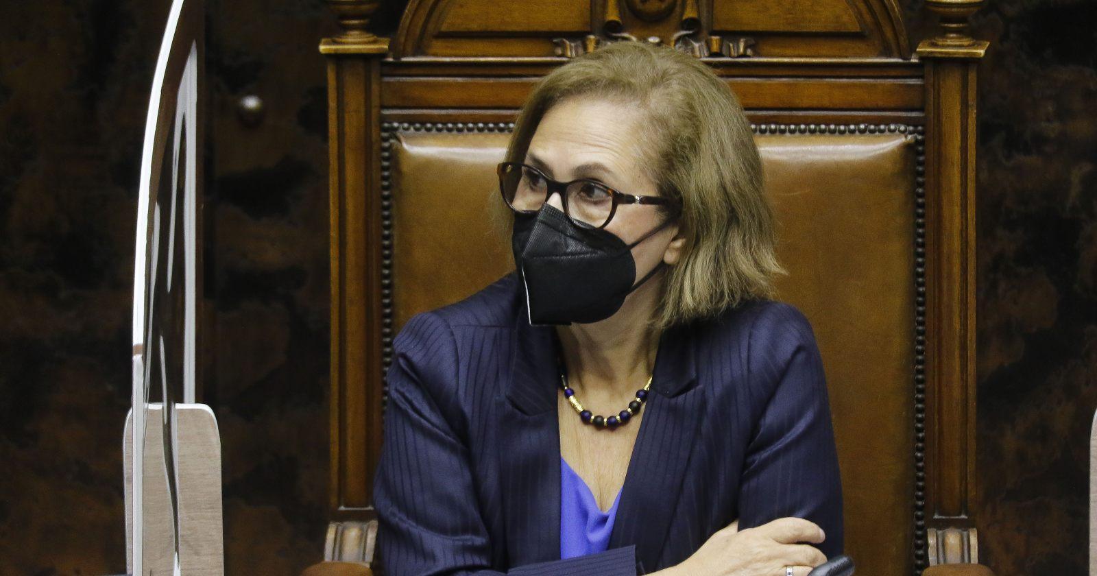 Presidenta del Senado no pondrá en tabla para mañana tramitación de retiro del 10% del Gobierno